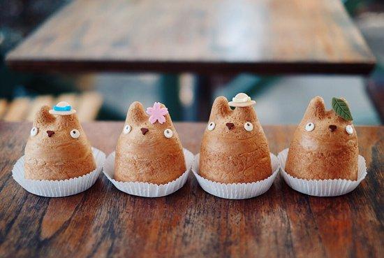 Totoro themed cream puffs.
