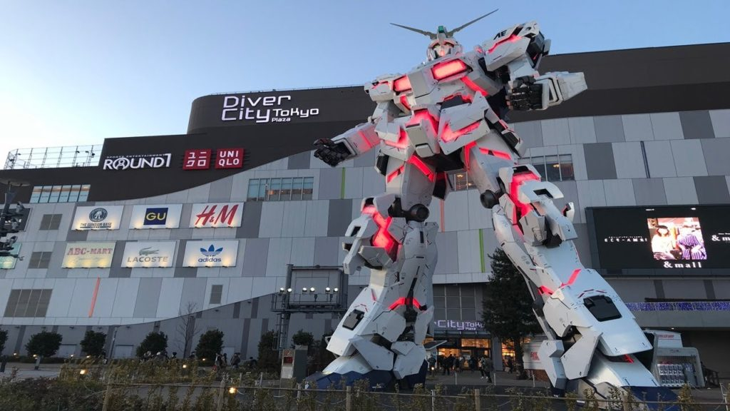 Odaiba with Gundam statue